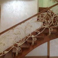 Кованые ограждения лестниц