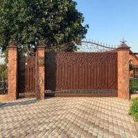 Ворота, частный дом д.Нижнее Мячково Московской области