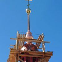 ☦1.06.2019 было совершено торжественное освящение и монтаж крестов и шпилей на Храм Рождества Христова на Песках в Санкт-Петербурге.