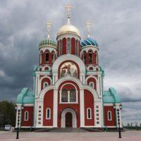 Устройство кровли на Храме во имя св. вмч. Георгия Победоносца в г. Медынь Калужской области