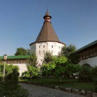 Отреставрированный шатер юго-западной башни Спасо-Преображенского Собора Новоспасского ставропигиального мужского монастыря в Москве