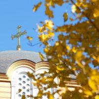 Установленные кресты на Благовещенском греческом храме в Ростове-на-Дону