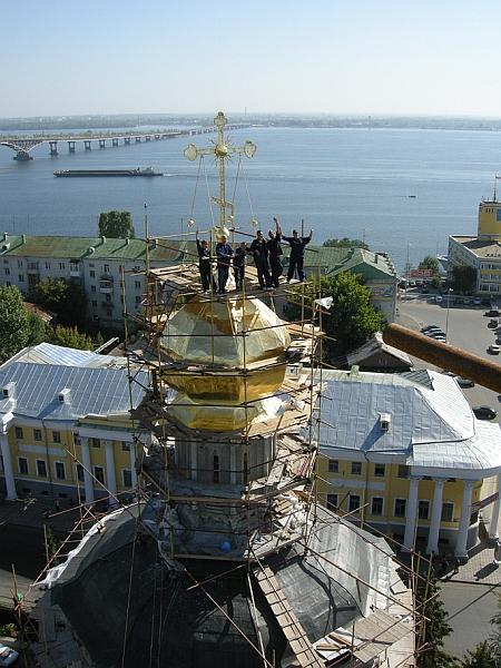 Свято-Троицкий Собор в Саратове. Завершены работы по сусальному золочению купола и креста.