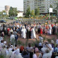 Митрополит Крутицкий и Коломенский Ювеналий совершил чин Великого освящения Троицкого храма в Реутове