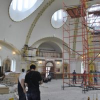 Работы на Соборном храме в честь святого князя Игоря Черниговского и Киевского в Переделкино в Москве