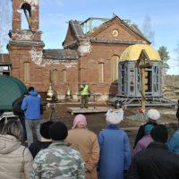 Торжественные мероприятия по случаю освещения крестов и куполов Храма
