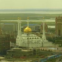 Завершены работы по покрытию и золочению сусальным золотом куполов мусульманского культурного центра в г. Астане Республики Казахстан.