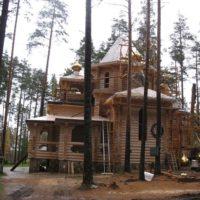 Монтаж куполов и крестов на домовом храме в Ленинградской обл.